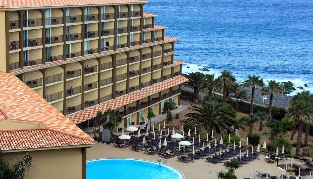 Voo + Hotel | Lisboa-Funchal