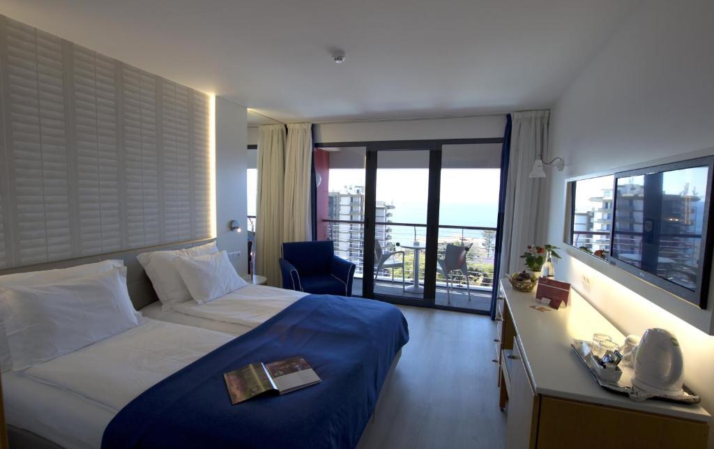 Voo + Hotel - Madeira, 8 dias - Four Views Monumental